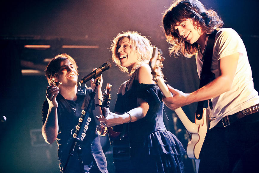 The Band Perry - I mean, look at them! Don't they just LOOK like oodles of fun? We rest our case.