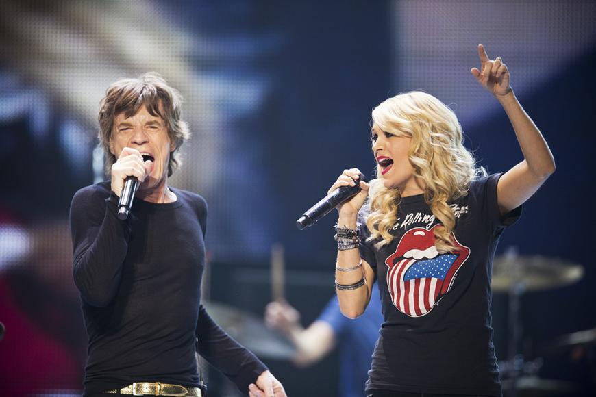 Mick Jagger belting it out with Carrie Underwood