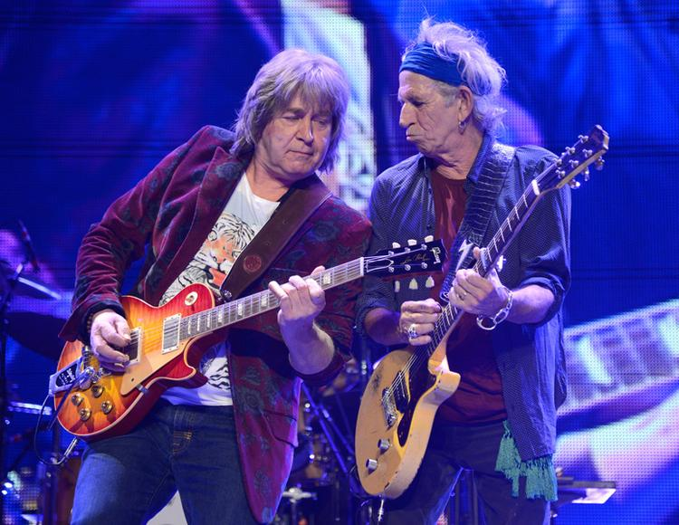 Mick Taylor shredding with The Stones' Keith Richards