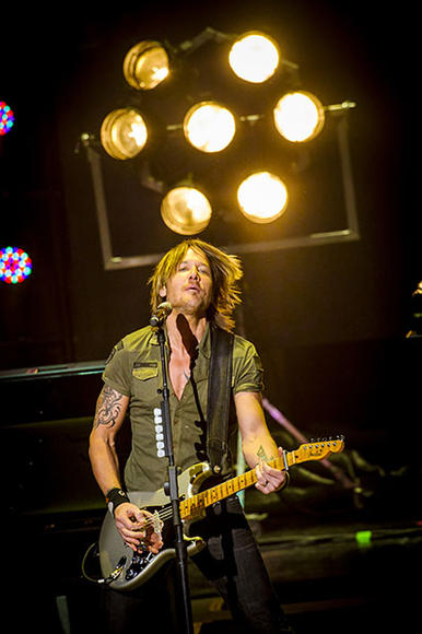 Keith Urban at DTE Energy Music Theatre in Clarkston, MI on August 4, 2013.