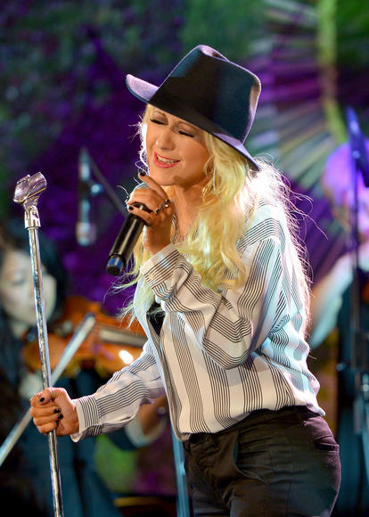 Christina Aguilera: She's doing something aside from being a judge on The Voice. Recognize!