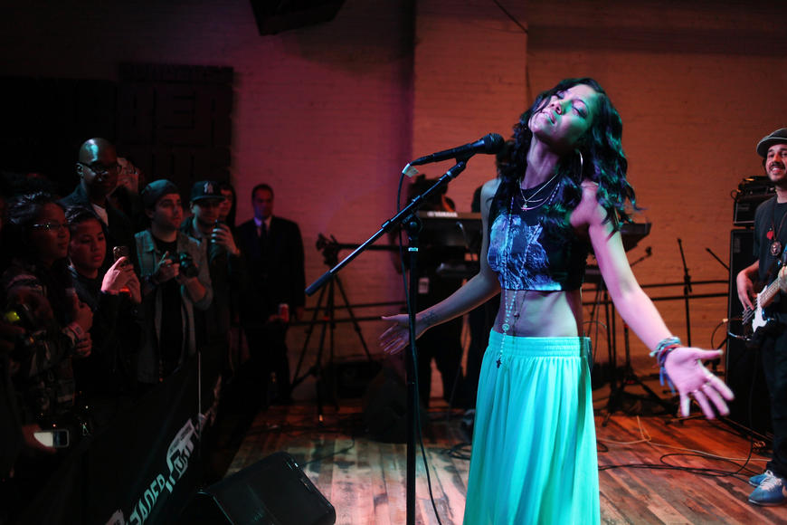 "Jhené Aiko: Her voice is like BUTTER, and her upcoming album is called ""Souled Out."" GET IT? We LOL'd."