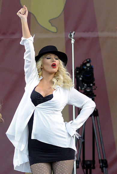 Christina Aguilera – Weekend Two