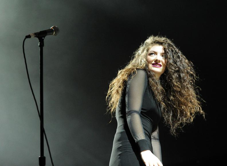"Lorde: Bet you're expecting a ""Royals"" joke here, huh?  Well, that kind of over-done humor don't run in our blood. Those kind of yucks just ain't for us.  We crave a different lulz."
