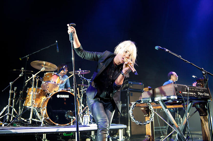 Metric: Possibly Canada's greatest export, Metric has repeatedly been named one of today's best live rock bands.  They've got a wall of sound, incredible vocals and amazing stage presence, the question now is: do they have your attention?