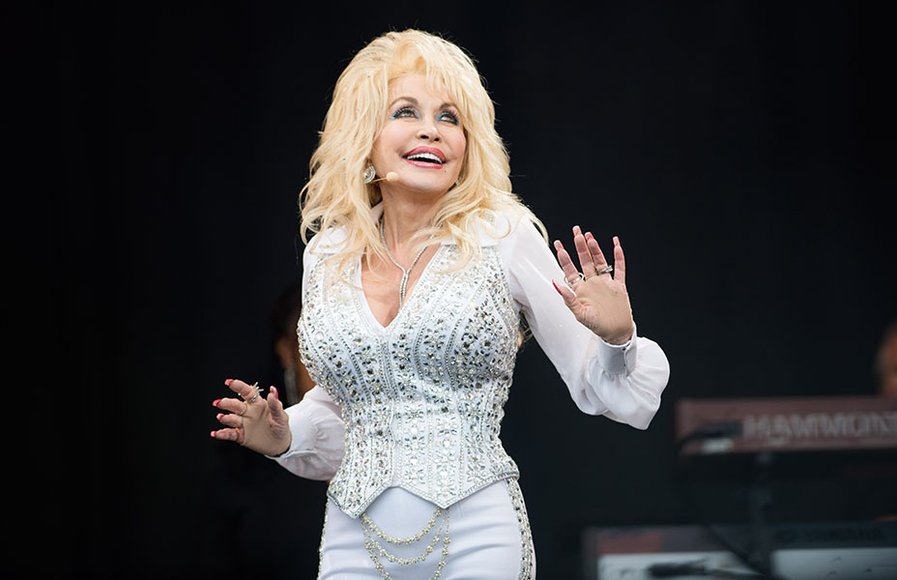 Dolly Parton at the 2014 Glastonbury Festival