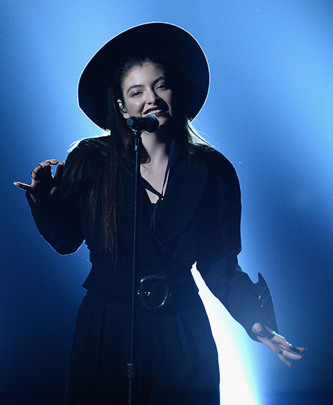 Lorde at the 2014 Billboard Music Awards