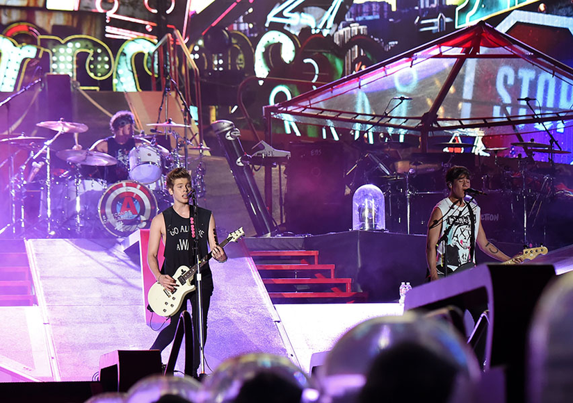 5 Seconds of Summer at The Rose Bowl in Pasadena, CA