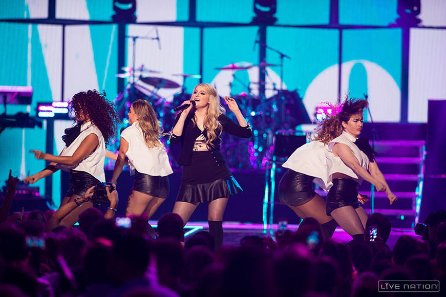 "3. Meghan Trainor- ""All About That Bass"""