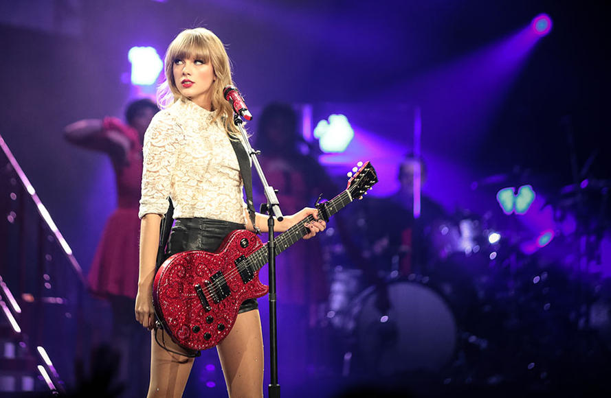 "5. Taylor Swift- ""Shake It Off"""
