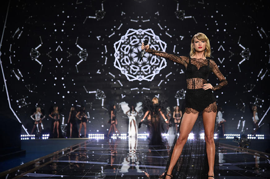 Taylor Swift - Tour kicks off May 5