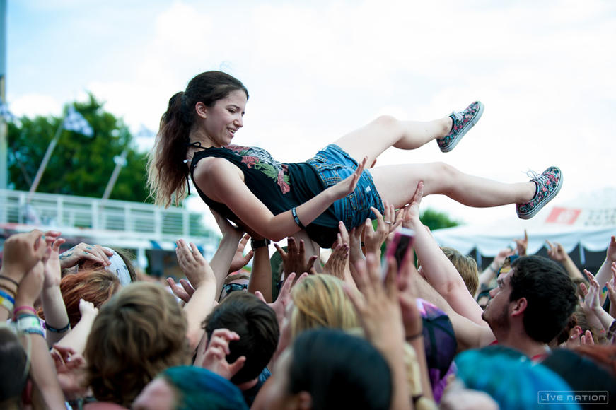 Crowdsurfer @ Dallas Warped