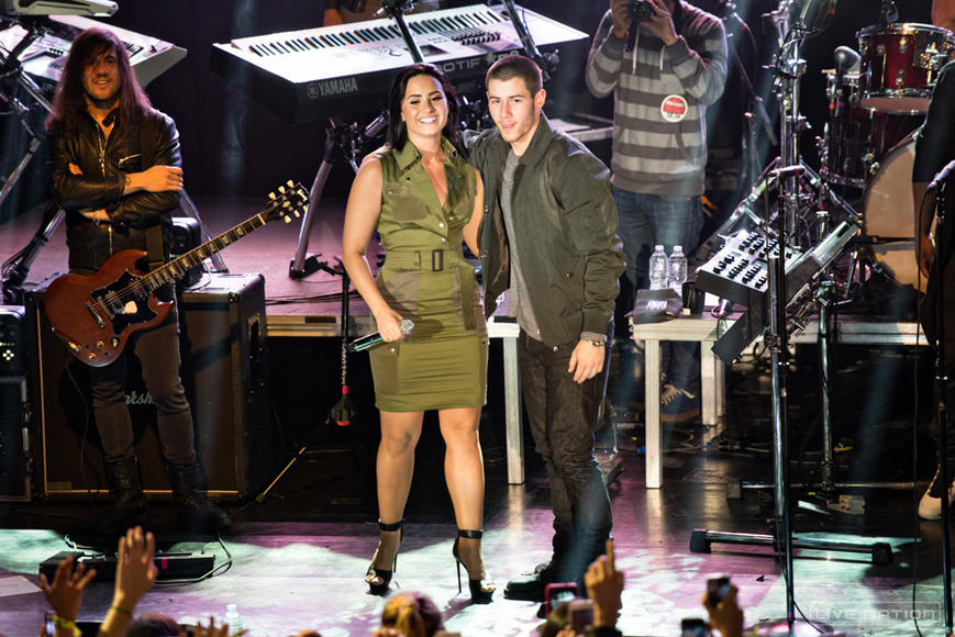 Demi Lovato and Nick Jonas: Pop powerhouses combine forces for the Future Now tour. Prepare for a night full of feel-good music!
