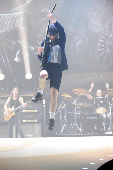 Angus Young, 2009