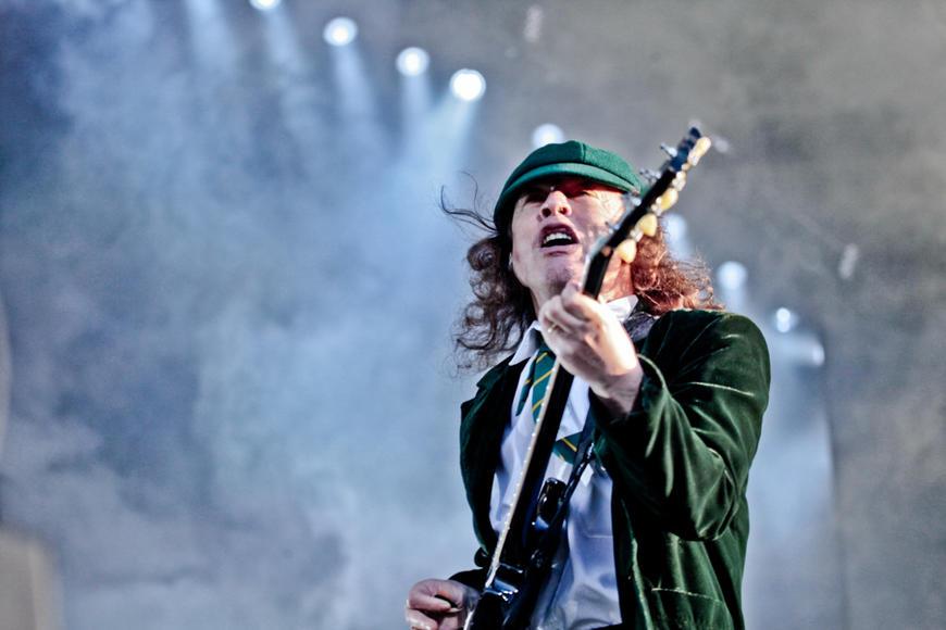 Angus Young, 2010