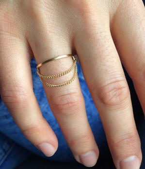 DEVOTION: Gold Slim Ring With Chain Detail