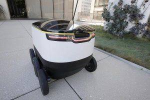 103126155-robot3-600x400