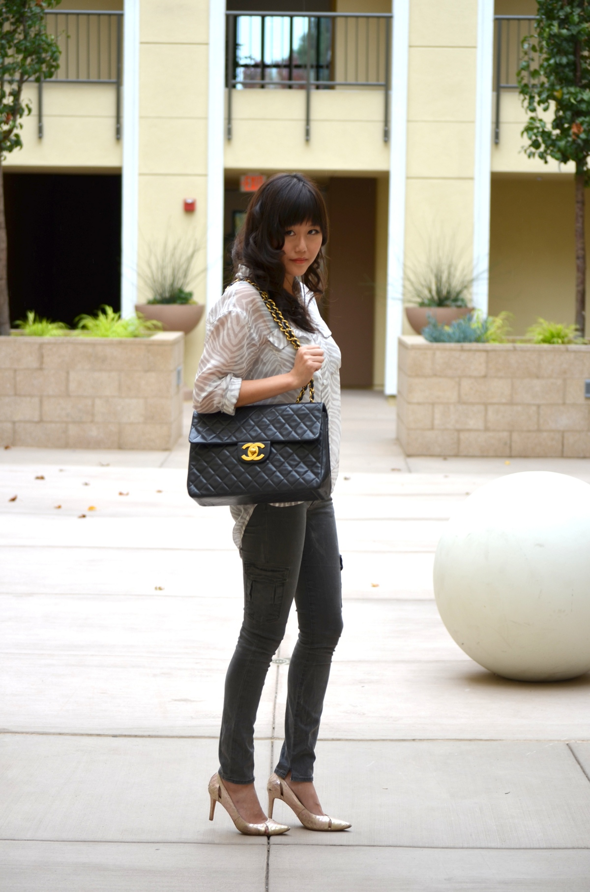 outfit with vintage Chanel jumbo xl bag