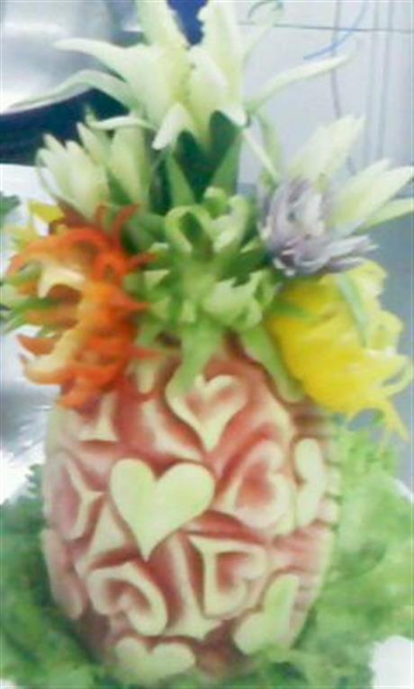 Melon heart carving