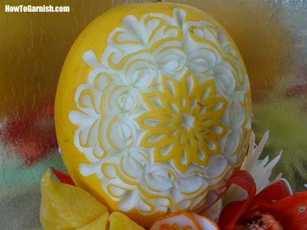 Yellow melon carving piece