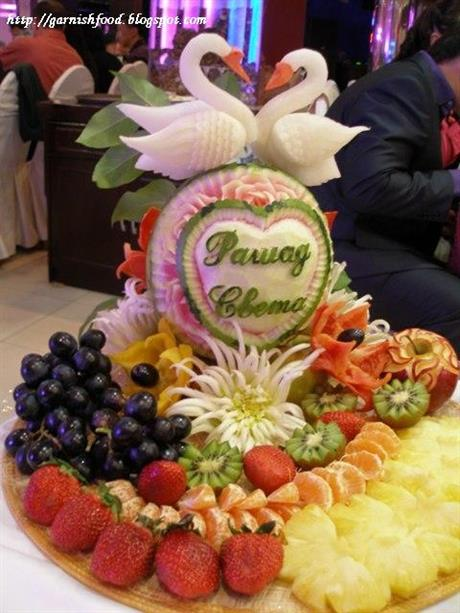 Wedding fruit dispay with vegetable swans