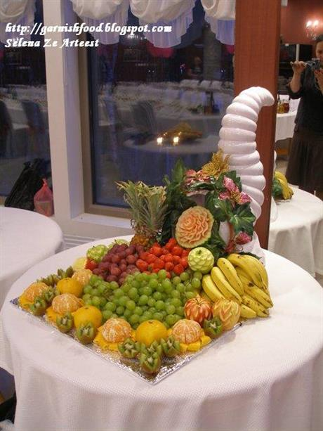 Cornucopia (Horn of plenty) fruit display