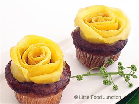 Mango rose cupcakes