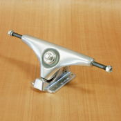 "Gullwing 9"" Charger Silver Trucks"