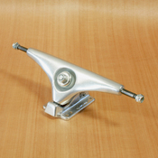 "Gullwing 10"" Charger Silver Trucks"