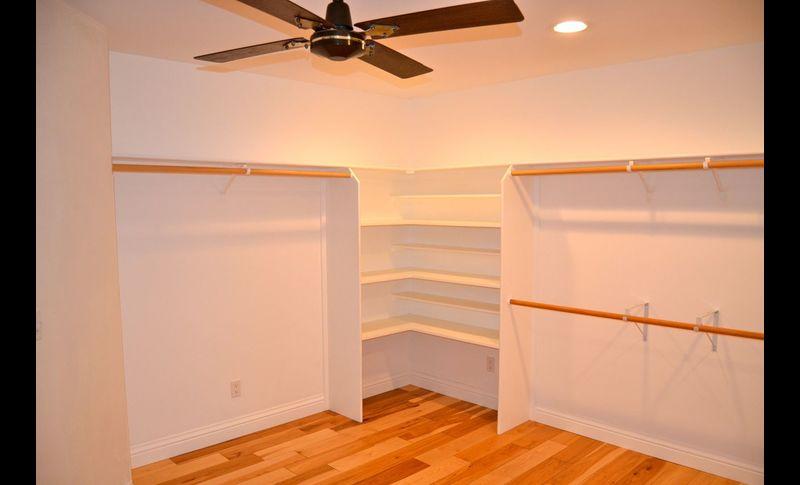 Mb closet