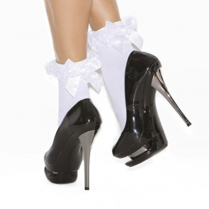Elegant Moments Ruffle Ankle Socks White Front