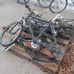 Lot: 1622 - (4) BICYCLES AND (7) FRAMES
