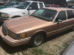 Lot: 04 - 1994 Lincoln Town Car