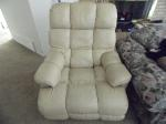 Lot: A4810 - Pair of Twin Lazyboy Recliners