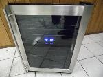 Lot: A4917 - Working Magic Chef Stainless Wine Cooler