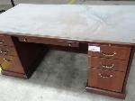 Lot: 02-17657 - Desk