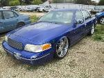 Lot: 1128-17 - 2002 FORD CROWN VICTORIA