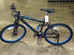Lot: 02-17800 - Genesis V2100 Bicycle