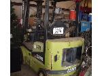 Lot: 22 - Clark Forklift