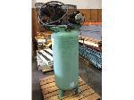 Lot: 13 - SpeedAire Air Compressor