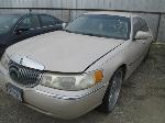 Lot: 436-701129 - 2001 LINCOLN TOWN CAR