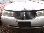 Lot: 05 - 1999 Lincoln Town Car