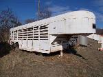 Lot: 63.CPR - 1974 Hale Livestock Trailer