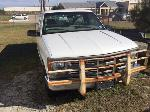 Lot: 12.FL - 1999 Chevrolet C2500 Pickup