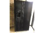 Lot: 156.PU - GE Refrigerator