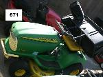 Lot: 571 - John Deere Riding Mower