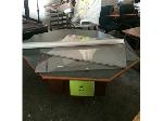 Lot: 19 - Table & Projection Screen