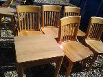 Lot: 081 - Chairs & End Table
