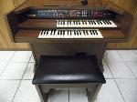 Lot: A5428 - Working Lowrey Debut Electric Organ