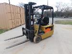 Lot: 68 - Caterpillar Electric Forklift